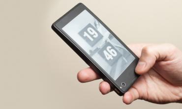 YotaPhone, smartphone με δύο οθόνες