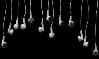 [Poll] Θύρα ακουστικών. Το μήλο της έριδος