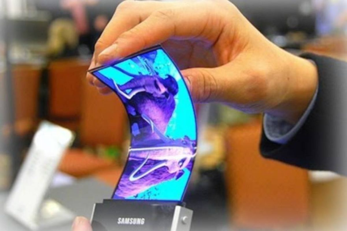 Το αναδιπλούμενο smartphone της Samsung θα έρθει το 2019 και θα κοστίζει σχεδόν $2000!