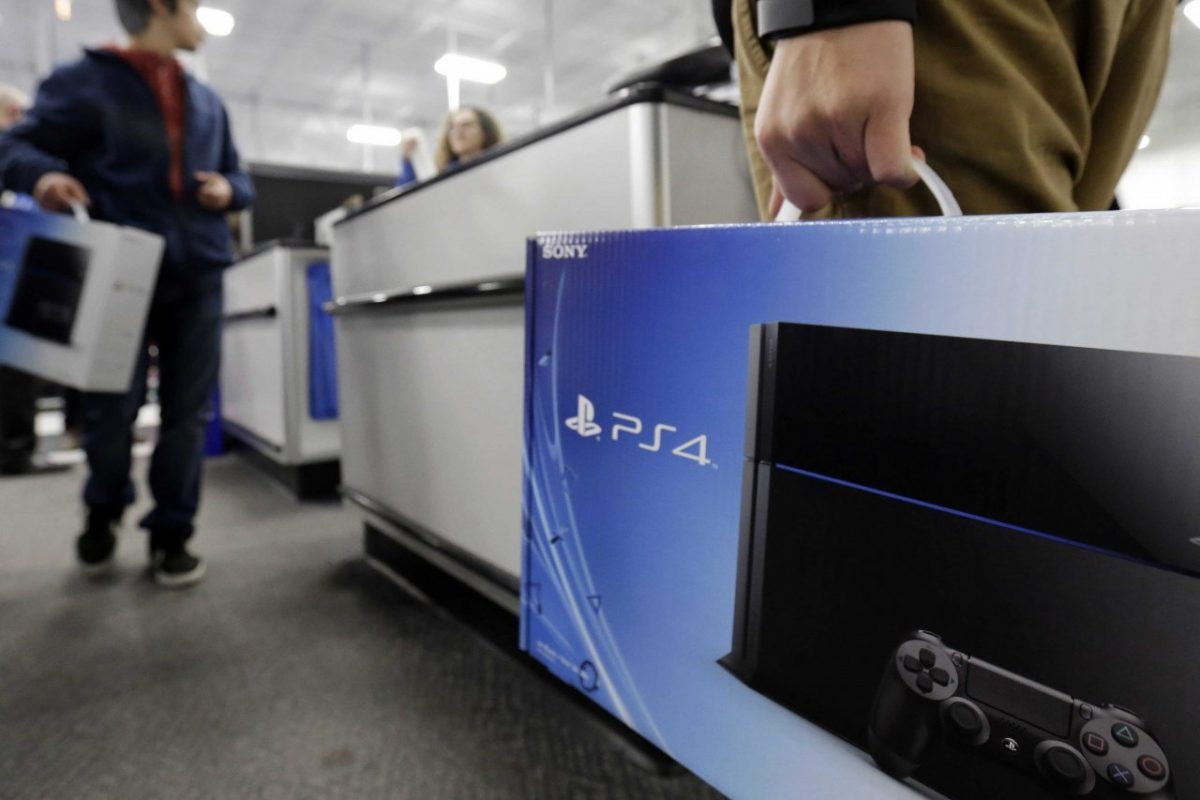 To PS4 είχε τις μεγαλύτερες πωλήσεις στην Black Friday στα 22 χρόνια του Playstation